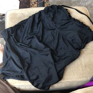 Liz Lang maternity large black swim suit Euc nice